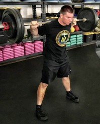 How to Squat for Powerlifting Strength 4
